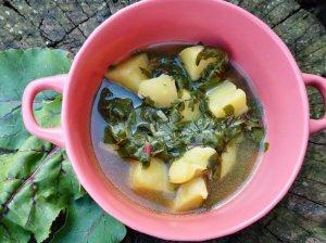 Burokėlių lapų sriuba