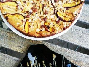 Greitas nektarinų pyragas