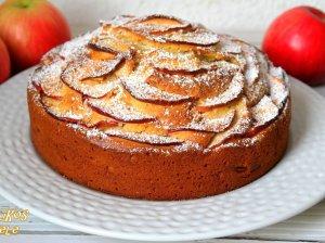 Labai obuolinis pyragas