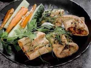 Picos suktinukai su vištiena ir sūriu