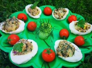 Tunu ir agurkais įdaryti kiaušiniai