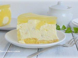 Nekeptas ananasinis jogurto tortas