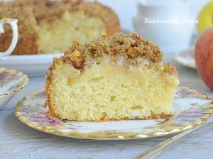 Minkštas varškės ir obuolių pyragas