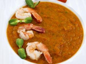 Trinta moliūgų ir paprikų sriuba su krevetėmis