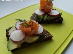 Pusryčių sumuštiniai su lašiša ir avokadu