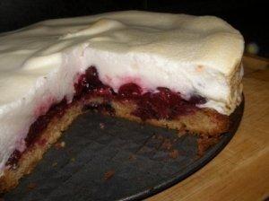 Vyšnių tortas svečiams vaišinti