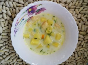 Pieniška pupelių sriuba su makaronais