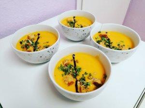 Kreminė sūrio ir moliūgų sriuba