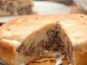 Greitas ir nesudėtingas pyragas su mėsa