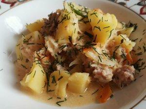 Greitas faršo troškinys su ryžiais, kopūstu ir bulvėmis