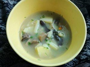 Grybų sriuba su miežinėmis kruopomis