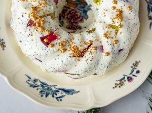 Varškės ir maskarponės desertas su želė ir aguonomis