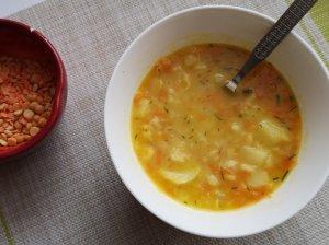Soti žirnių ir lęšių sriuba