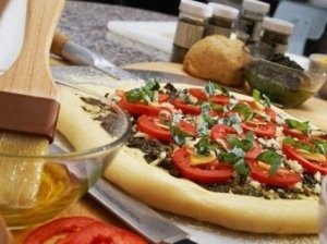 Pica iš pusiau trapios tešlos