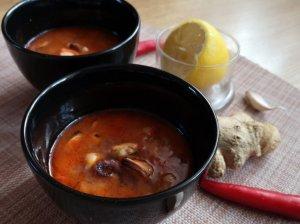 Pomdorų sriuba su jūros gėrybėmis