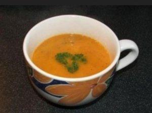 Trinta pomidorų ir bazilikų sriuba