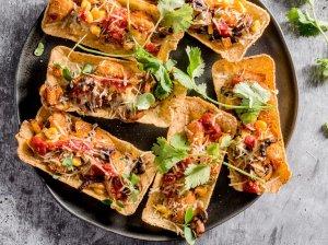 Taco pyragėliai su vištiena ir daržovėmis