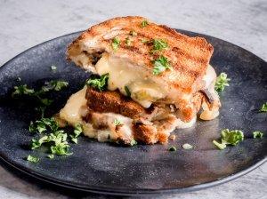 Tobulas sūrio sumuštinis