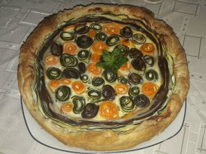 Sluoksniuotos tešlos daržovių pyragas