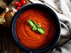 Trinta konservuotų pomidorų ir lęšių sriuba