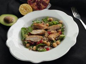 Vištienos salotos su bolivinėmis balandomis, avinžirniais