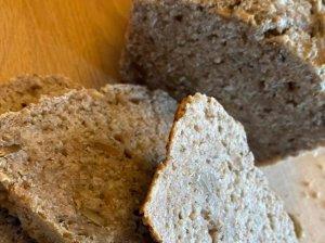 Greita pasukų duona su sėklomis