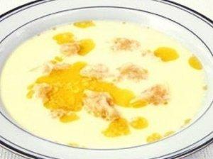 Pieniška sriuba su cukinijos leistinukais