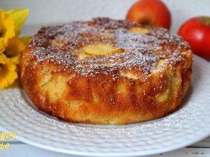 Drėgnas prancūziškas obuolių pyragas