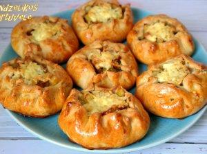 Pyragėliai su bulvėmis ir vištiena