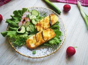Pavasarinės salotos su varškės sūriu