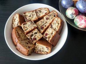 Velykinis pyragas su riešutais ir džiovintais vaisiais