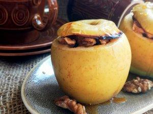Kepti obuoliai bulgariškai