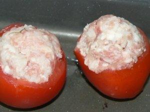Įdaryti pomidorai su faršu