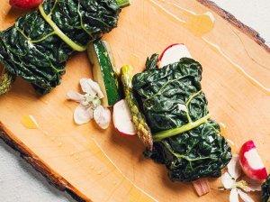 Daržovių suktinukai su sūrio kremu