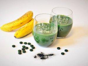Žaliasis kokteilis su spirulina