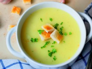 Greita česnakinė sriuba