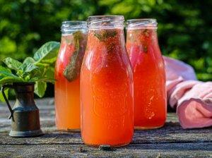 Gaivus gėrimas su arbūzu ir mėtomis