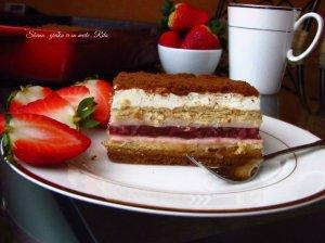 Nekeptas sausainių pyragas su braškių želė