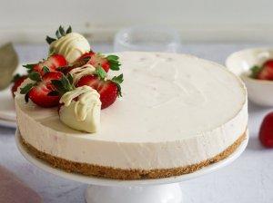 Nekeptas jogurtinis maskarponės tortas