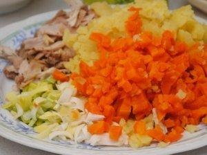 Vištienos ir daržovių mišrainė