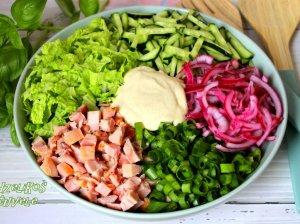 Gaivios vištienos salotos su daržovėmis (be majonezo)