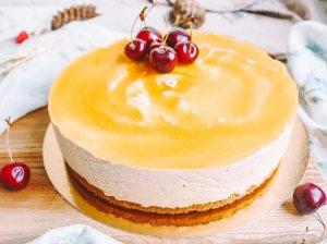 Gaivus sūrio tortas su persikais