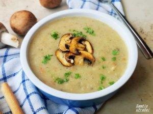 Lenkiška perlinių kruopų sriuba su grybais