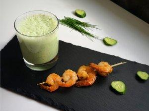 Šalta agurkų sriuba su krevetėmis