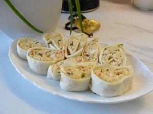 Greiti tortilijų suktinukai su pikantišku tuno įdaru