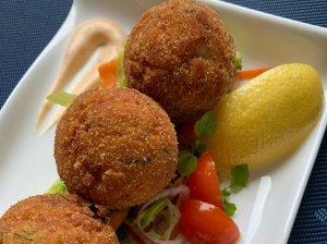Žuvies ir bulvių pyragėliai (spurgos)