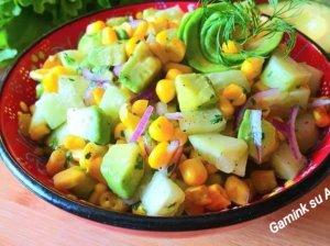 Gaivios agurkų ir avokadų salotos