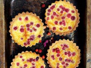 Tartaletės su maskarpone ir uogomis (be miltų)