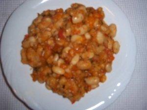 Bulgariškos pupelių salotos su paprika