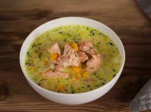 Kvapni lašišos sriuba su grietinėle